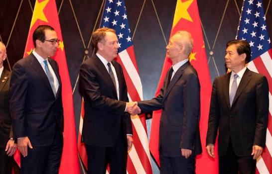 EEUU y China retomarán negociación comercial en septiembre