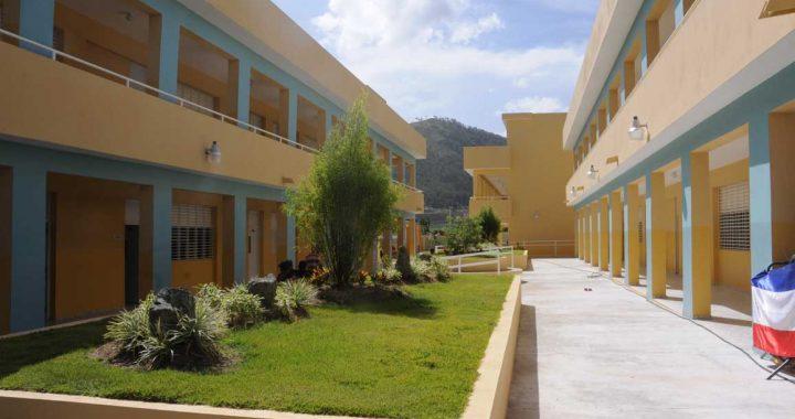 Las escuelas en Constanza sin impartir clases por falta de profesores