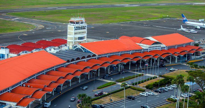 Aeropuerto del Cibao reitera a pasajeros presentar prueba negativa de Covid-19