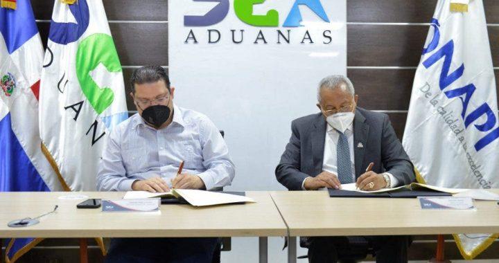 Aduanas y ONAPI firman acuerdo interinstitucional
