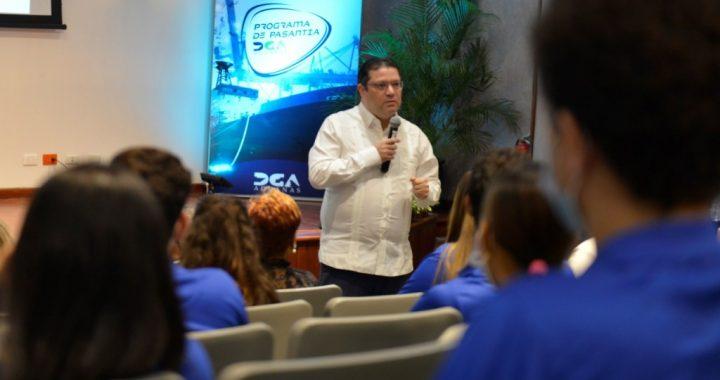 Aduanas presenta programa de pasantías para jóvenes universitarios